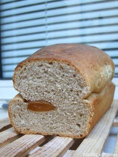 Almond bread with dried fig