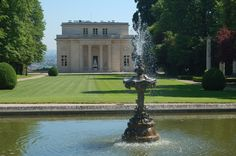 This lovely national landmark, the Pavillon de Musique de Madame Dubarry, was the site of my high school when I was at the American School of Paris, in the 1960s. We were so spoiled!