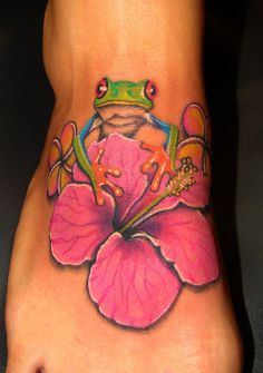 Anyone that knows me well, knows that I LOVE frogs! This is super cute but maybe just a little smaller! :-)