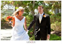 absolutely gorgeous bouquet. great colors any time of year! #karlstrauss . Photo courtesy of Lenoce Photography.