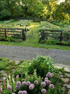 Backyard Garden Ideas - Kentucky Home and Garden - Country Living