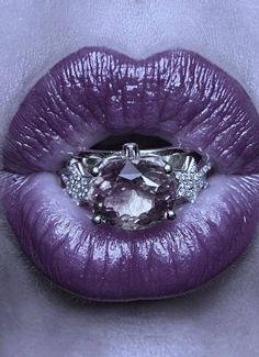 purple kiss