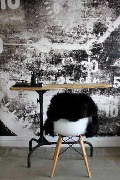 Scandinavian Wallpaper  Décor. Photography: Gemma Lovitt #wallpaper