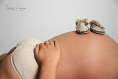 Maternity portrait with moccasin booties! Feel free to 'like' Lindsay Curgan's photography FB: facebook.com/lindsaycurganphotography  #maternity #pregnancy #portrait #photography