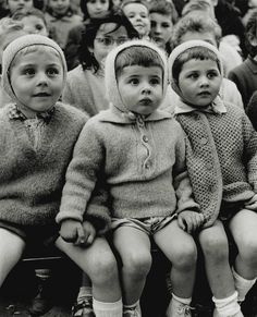 Alfred Eisenstaedt - Children at a puppet Theatre watching St. George and the Dragon story; Tuileries, Paris, 1963