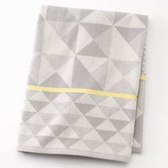 Apt. 9 Optica Geometric Bath Towel