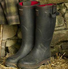 wellington boot, rubber boot