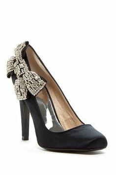 Sparkling Bow Heel in Black.