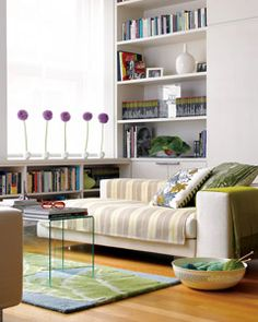 how to make a small space look bigger... 10 tips.