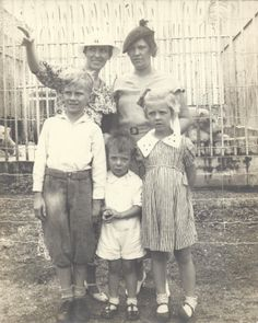 Esther and Elsie in 1932 with their children. Esther's son is on the far left (Richard) and her daughter is on the far right (Marlyn).