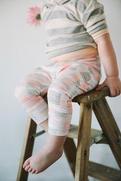 SALE  Lucy Slouch Capris  Toddler Capri Leggings door KindredOAK, $23.40