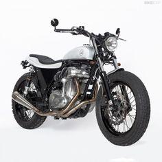 Kawasaki W800 custom by Di Ferro   right front