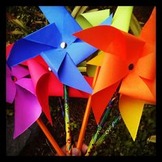 How to Make Paper Pinwheels with Astrobrights Paper #colorful #diy #crafts @Deanna Underwood