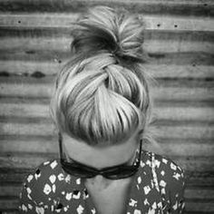 Cute hair style! looks easy and not very time consuming
