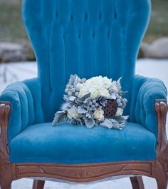 Something Blue Winter Wedding Decoration Picture Felt Chair and Flower Bouquet