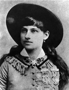 Annie Oakley: Wild Life & Famous Friends - Biography.com