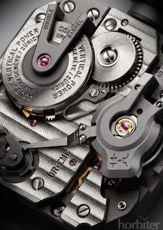Urwerk EMC (calibre close-up)