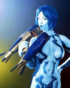 sexy cosplay de cortana 4 by faseextra, via Flickr