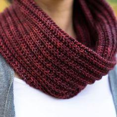 Ručne vyrobený šál.