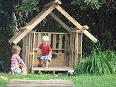 What a cute way to repurpose pallets: a simple playhouse