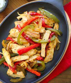 Skinny Chicken Fajitas!!! Looks delicious!! |skinnytaste.com