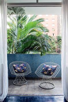 interior design, garden chairs, coastal garden, balconi area, dream, interiors, design discoveri, balconies, garden patio
