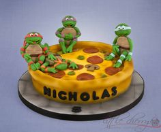 25 Pizza Cakes For The Best Pizza Party Ever c1dd434fe3a91c3e7e60e358b3e0ef4d jpg
