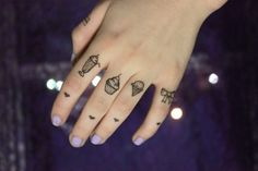 Girlie Knuckle Tattoos- yes!
