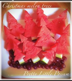 Found on Pretty Little Possum's Facebook page. Christmas Melon Trees. Easy peeasy.