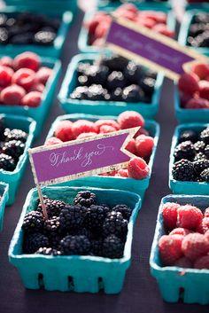 wedding favor of berries for Summer