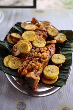 Filhote com Molho de Camaroes e Bananas (Fish with Shrimp Sauce and Plantains) Recipe - Saveur.com