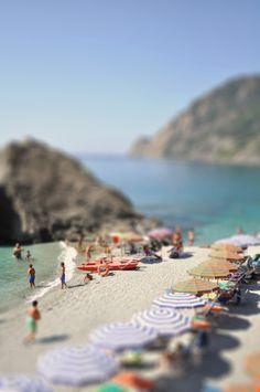 summer travel, italian beaches, at the beach, sea, tiltshift, shift beach, place, italy travel, tilt shift