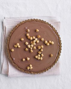 Tarta de avellanas y mousse de chocolate
