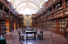 Palafoxian Library, Puebla, Mexico - Ah ah ah, pictures aren't to be taken in this library ;)