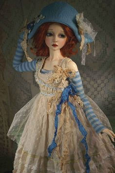 simple doll: tdelia by the dress maker,