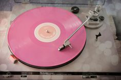 record players~really, a pink album!! I must have one!