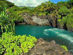 Maui wainapanapa-- black sand beach near Hana