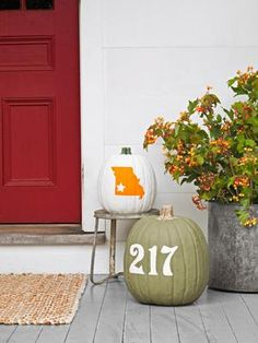 holiday, decorating ideas, pumpkin decorating, fall decorating, painted pumpkins, fall craft, house numbers, front porches, halloween
