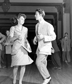 http://www.girlinthejitterbugdress.com #vintage #1940s #WWII #Swing #Dance #Lindy Hop #Jitterbug #Balboa #Shag NOVEL WEBSITE BLOG SWING IT BROTHER SWING!