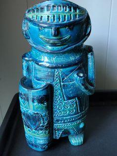 Rare Aldo Londi art pottery in bittosi bimini blue Classic mid century collectible.