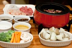 Main course fondue, recipes and dipper suggestions.