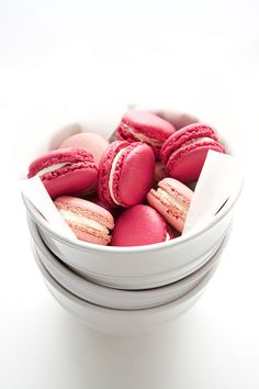 * Shades Of Pink Macarons *