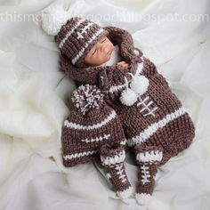 Football Themed Baby Gift Set Loom Knitting Pattern: Includes Coccoon, Booties, Hat & Bonus pattern for Football Buttons loom knitting patterns, baby gifts, loom hat patterns, footbal theme, babi gift, loom knitting for beginners, football baby hat pattern, knitted baby cocoon football, loom knitting for babies