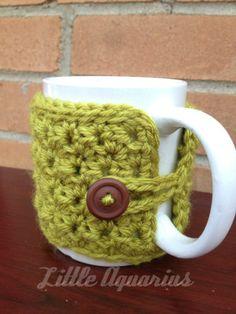 Mug warmer...I LOVE THIS! Wish I could crochet!