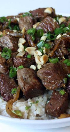 Recipe for Vietnamese-Style Garlic Beef - Make this for dinner tonight, it is beyond delicious???mouth-watering really. So much flavor in this super-simple dish.