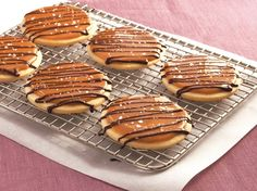 12 Days of Christmas Cookies: Day #5 ~ Salted Caramel Shortbread Cookies #christmascookies
