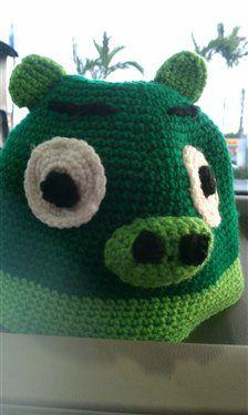 Free Crochet Angry Bird Pig Hat Pattern.