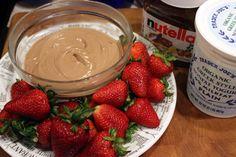Highly addictive: Healthy Nutella + Greek Yogurt Fruit Dip