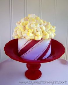Popcorn cupcakes! Perfect for movie night at church