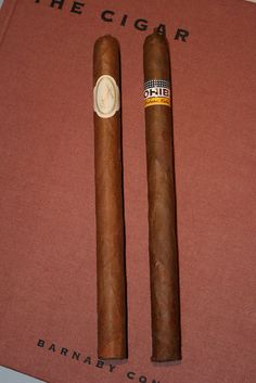 Vintage Cuban Cigars. Cuban Davidoff and a Cohiba Lancero.